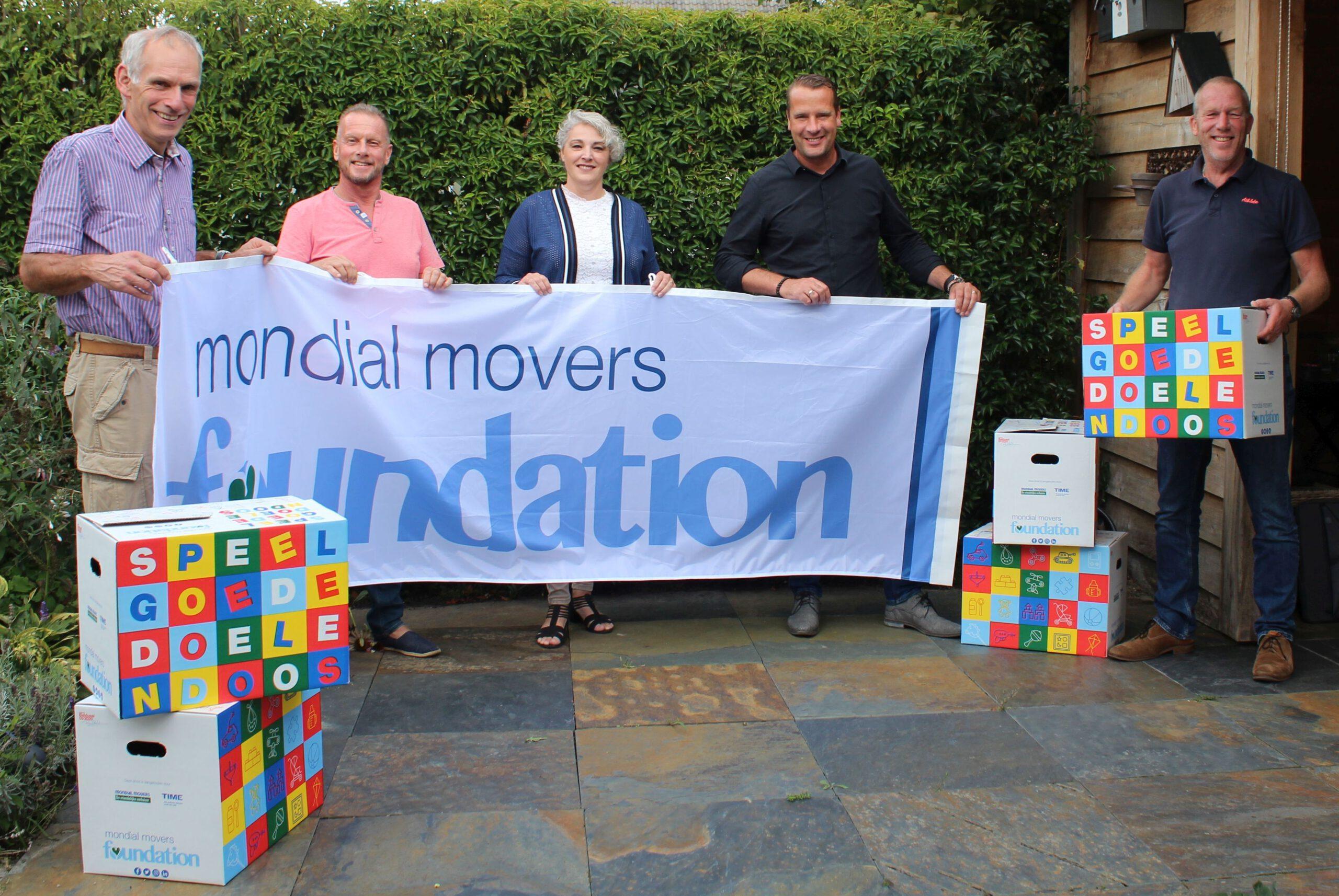 Het team van de Mondial Movers Foundation